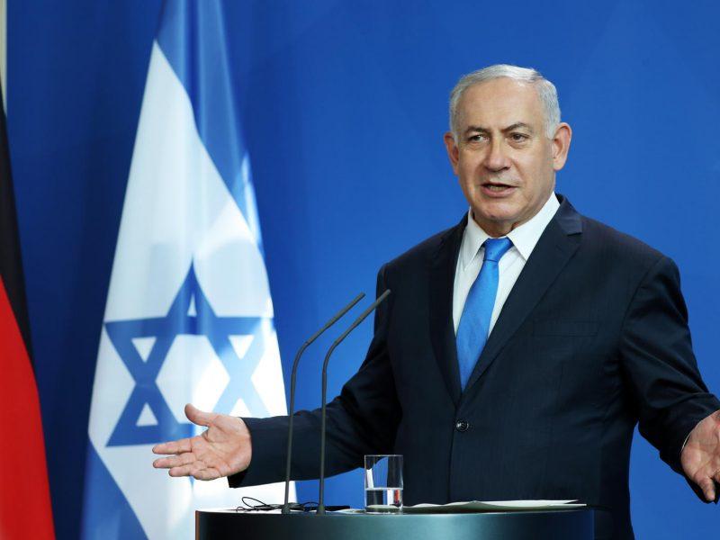 """B. Netanyahu: Izraeliui ir Ukrainai """"geriau kartu"""""""