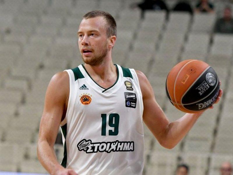 """""""Panathinaikos"""" komanda su L. Lekavičiumi įveikė """"Darussafaka Tekfen"""" krepšininkus"""