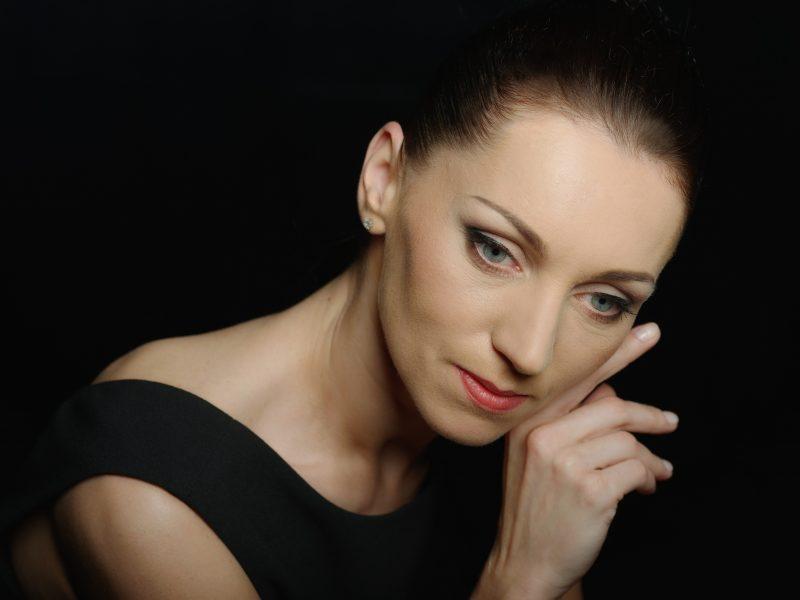 Primabalerina O. Konošenko: scenoje dar nebuvo sukurta nieko labiau stebuklingo
