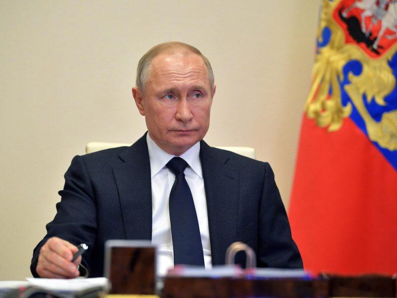 V. Putinas ragina griežčiau bausti nepilnamečius protestuoti skatinančius asmenis