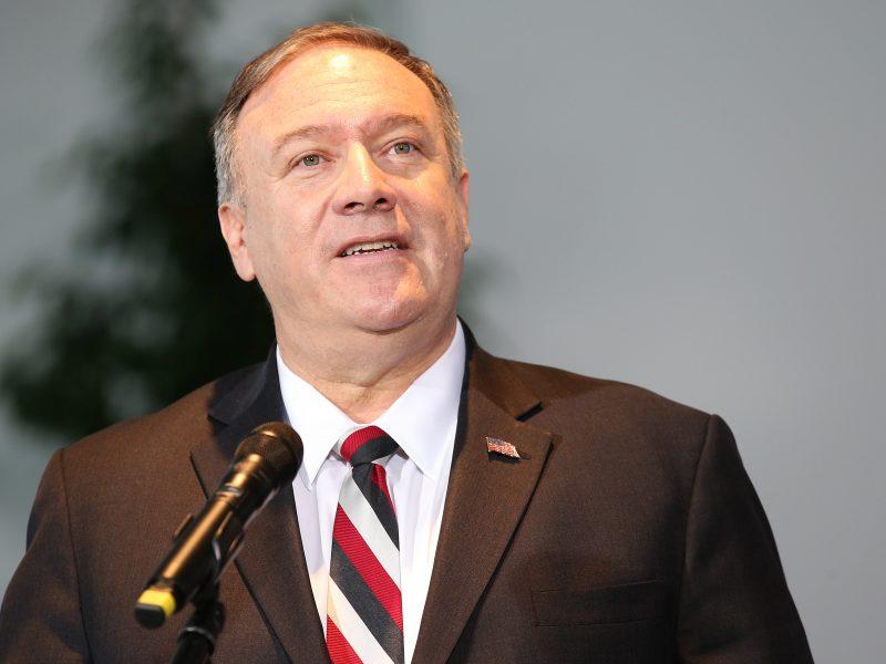 M. Pompeo ragina JTST pratęsti ginklų embargą Iranui