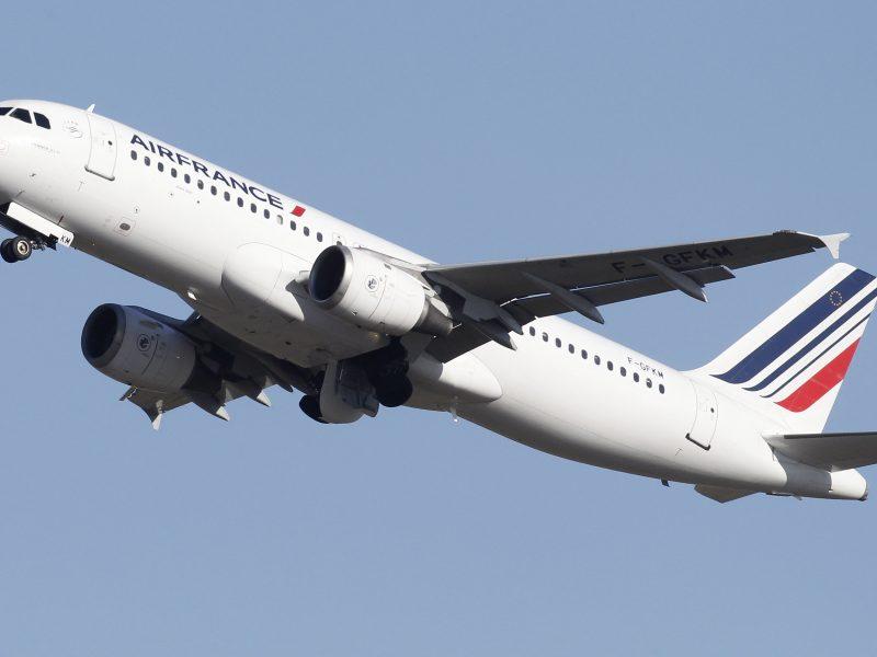 """Iki 2022 m. pabaigos """"Air France"""" ketina atleisti 7 500 darbuotojų"""