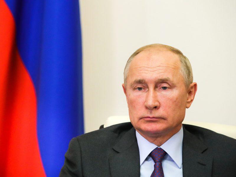 V. Putinas: Rusijoje nuo koronaviruso visiškai paskiepyti 2 mln. gyventojų