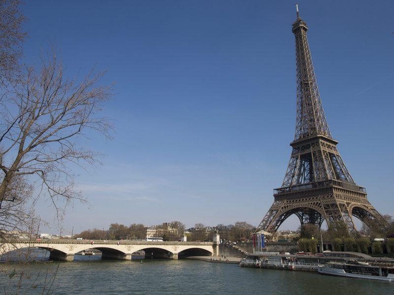 Eifelio bokštas lankytojams atsivers gruodžio 16 d.