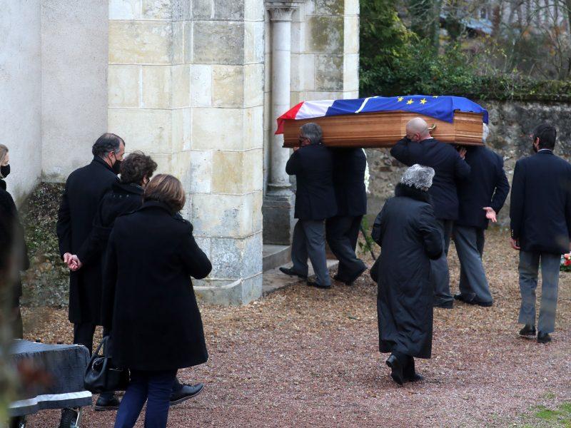 Kuklios ceremonijos metu palaidotas buvęs Prancūzijos prezidentas V. Giscard'as d'Estaing'as