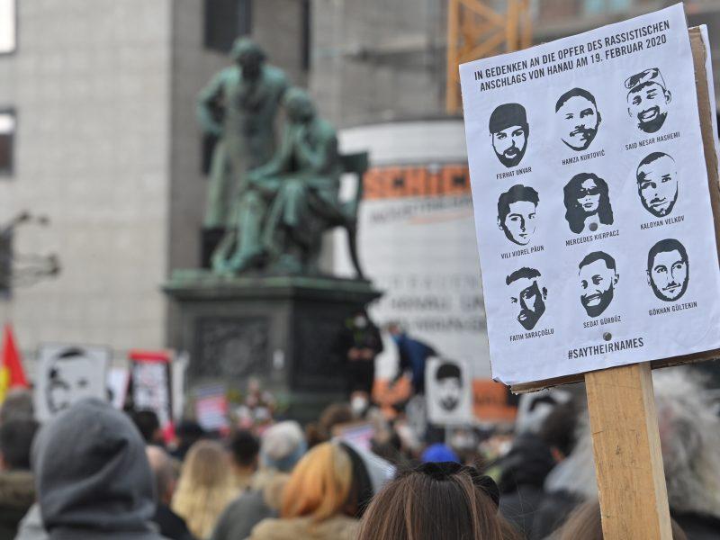 Vokietija mini pirmąsias kruvinų šaudynių Hanau metines