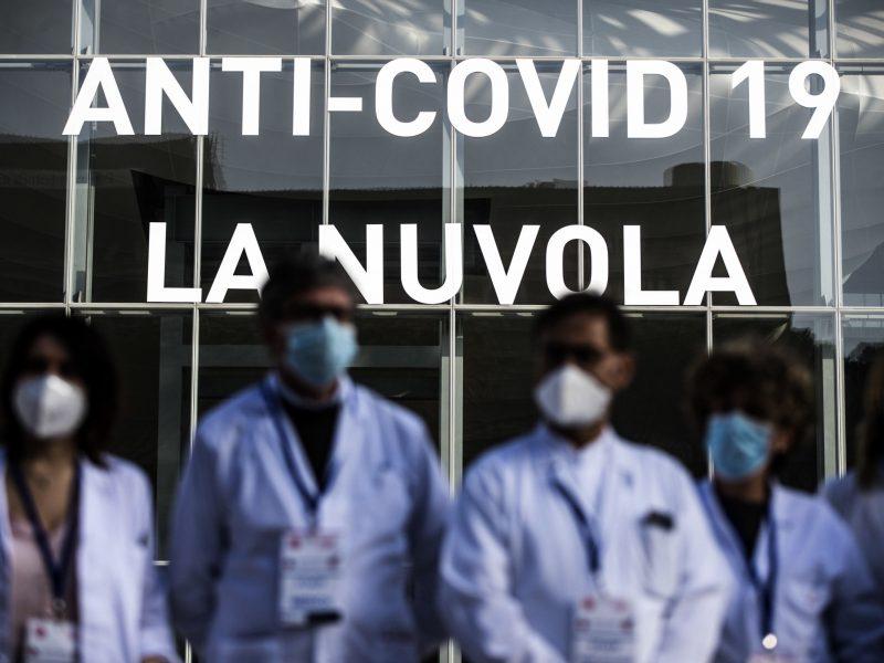 Italijoje per parą koronaviruso aukomis tapo 318 žmonių
