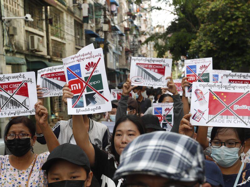 Mianmare nuo vasario pradžios jau žuvo beveik 600 žmonių