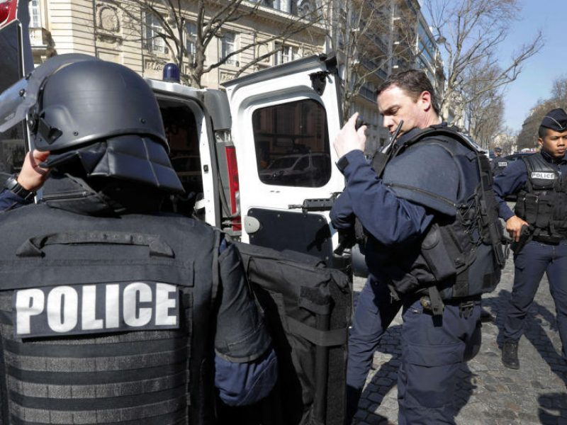 Netoli Paryžiaus pašauta dešimtmetė