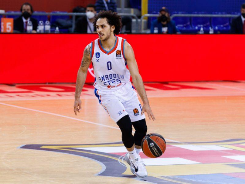 """""""Anadolu Efes"""" ketvirtfinalio starte pervažiavo """"Real"""", bet susižeidė V. Micičius"""