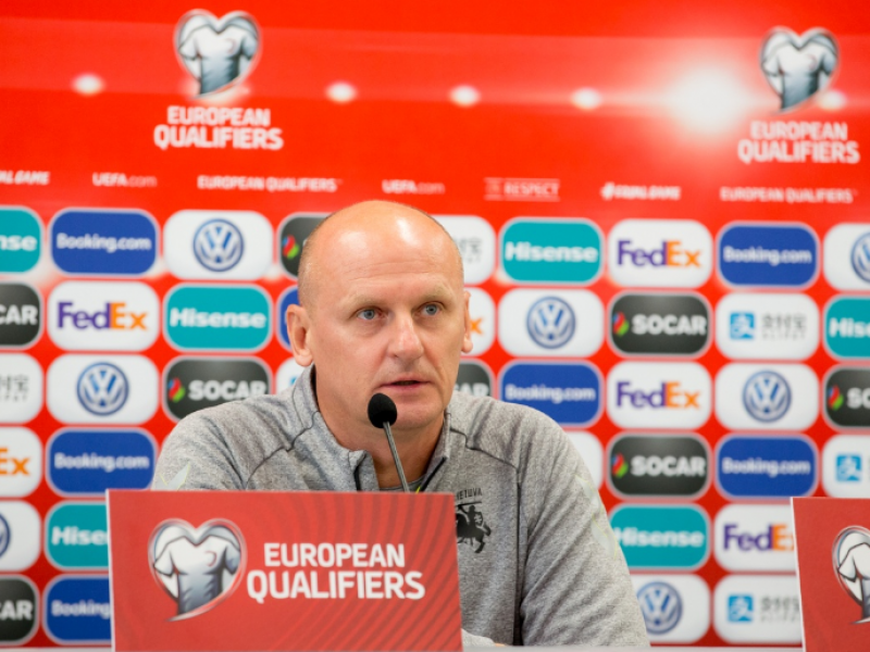 Futbolo rinktinės treneris V. Urbonas: būti mažu nereiškia būti silpnu