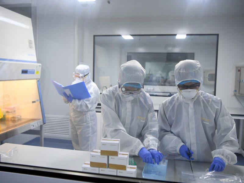 Prancūzijoje mirčių nuo koronaviruso skaičius viršijo 1 300