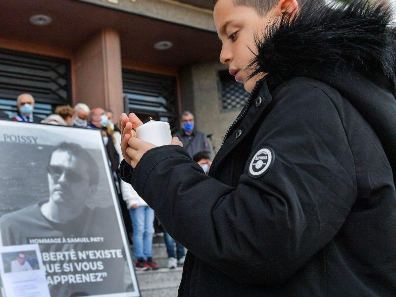 Europos Parlamentas tylos minute pagerbė nužudytą prancūzų mokytoją