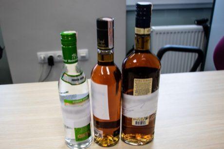 Pajūryje alkoholis liejasi laisvai: pardavinėjama net ir draudžiamu laiku