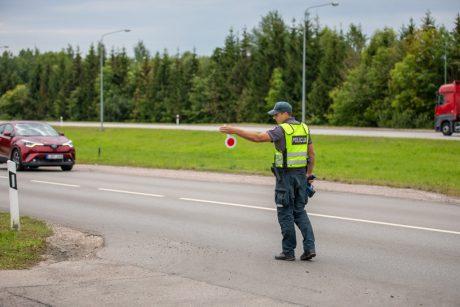 KET pažeidėjai Klaipėdos gatvėse: vairuoja išgėrę ir neprisisegę saugos diržų
