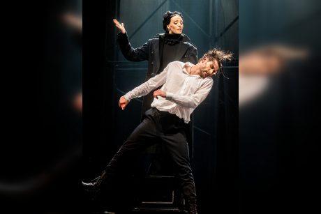 Teatro scenoje – žemiškos svajonės, aistros ir realybė