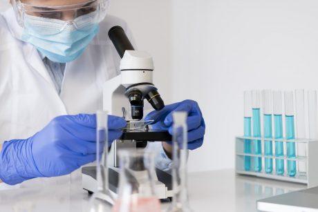 """""""Pfizer"""" testuoja apsauginį preparatą nuo užsikrėtimo virusu, kuris sukelia COVID-19 ligą"""
