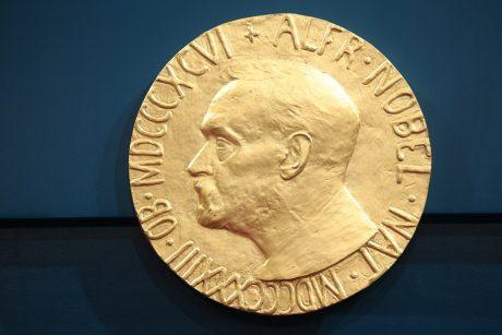 Nobelio mokslo ir literatūros premijos bus įteiktos laureatų šalyse