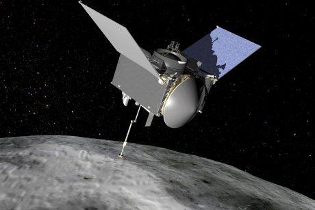 """NASA kosminis zondas """"Osiris-Rex"""" grįžta į Žemę su asteroido uolienų mėginiu"""