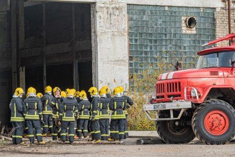 Alytuje pirmadienį toliau bus draudžiama dirbti šalia gaisravietės esančioms įmonėms