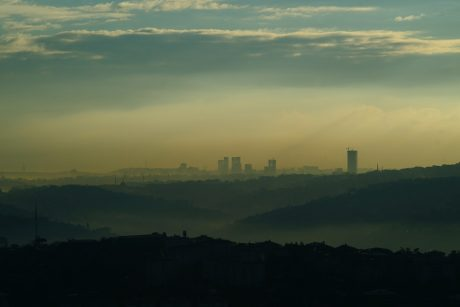 PSO perspėja, kad oro tarša kasmet pražudo 7 mln. žmonių, griežtina savo gaires