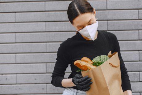 Ekspertas įvardijo, kiek žmonių po COVID-19 vargina ilgalaikis skonio ir kvapo netekimas