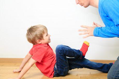 Kaip pozityvus drausminimas susijęs su vaiko agresyviu elgesiu?