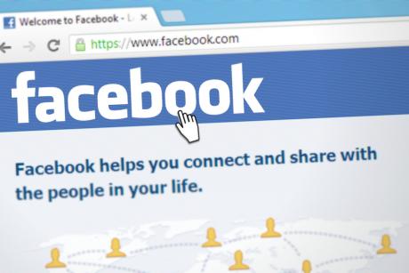 """""""Facebook"""" atskleidė, kiek netikrų paskyrų yra socialiniame tinkle"""