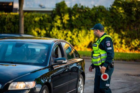 Klaipėdos apskrities keliuose – pažeidėjų bumas: prie vairo sėda girti, nesegi saugos diržų