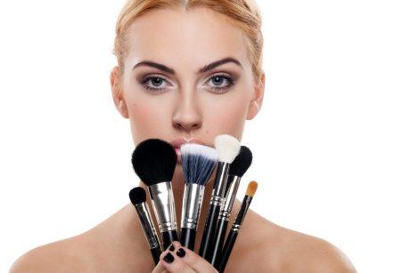 Ką reikia žinoti, kad dekoratyvinė kosmetika nebūtų žalinga odai?