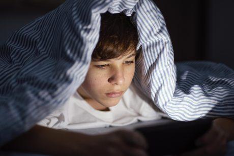 Virtualiesiems draugams paaugliai išsipasakoja viską