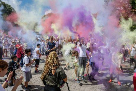 """Renginys """"Nuspalvink Klaipėdą"""" sutraukė šimtus miestiečių"""