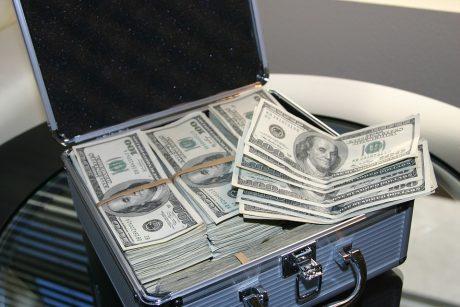 bitkoinų milijonierius lamborghini