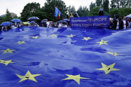Keturios šalys šeštadienį balsuoja svarbiuose EP rinkimuose
