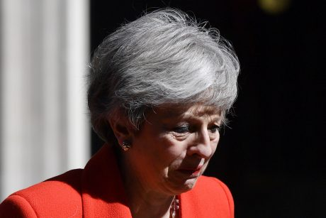 Po Th. May pasitraukimo Britanijos lyderiams seksis geriau?
