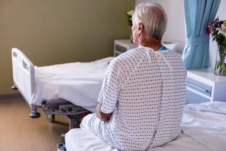 Senjorų vietą ligoninėje užėmė koronaviruso ligoniai