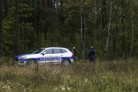 Į Lietuvą neleista patekti 91 migrantui, Baltarusijos sienos pusėje iššautos signalinės raketos
