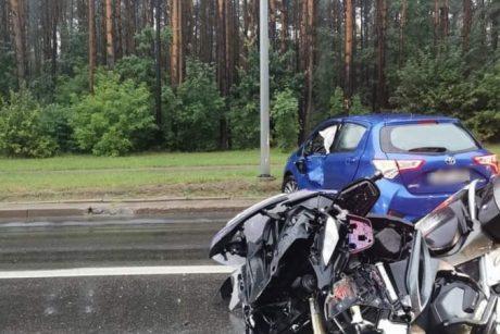 Per avariją Saulėtekyje nukentėjo du motociklu važiavę vyrai