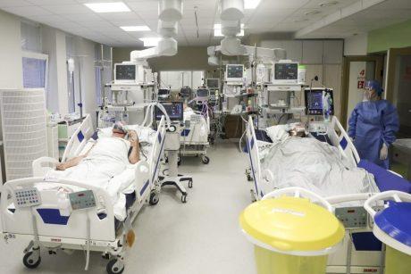 Mažosios ligoninės uždarinėja skyrius, kad priimtų COVID-19 pacientus