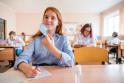 Reikalauja atidaryti mokyklas: nuotolinis mokymas moksleiviams daro nepataisomą žalą?