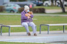 Vienišiems senoliams lankyti per Velykas – išlygos