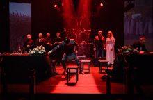 """Vilniaus mažajame teatre – pjesė """"Įžeisti. Baltarusi<span style=color:red;>(ja)</span>"""""""